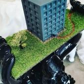 Projet unique pour une entreprise de promotion immobilière 🏗️ @lmpromotion Chez Swen'Art nous privilégions le sur-mesure, l'artisanat et le qualitatif 🎨💪  #handmade #madeinfrance🇫🇷 #immobilier #promotionimmobilière #immeuble #gorille #gozilla #faitmain #lyon #brignais #lmpromotion