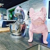 Amis Lyonnais.  Nos statues sont en vente chez @aya_home_design 👌un cuisiniste talentueux et de bon conseil, vous y trouverez du beau mobilier et de la décoration d'intérieur. Produits de qualité !  N'hésitez pas à aller visiter son showroom 💎  #art #cuisinistes #jedecorsmacuisine #cuisinemaison #mobilierdecuisine #mobilierdesign #design #interieur #decorationinterieur #statues #statuesenrésine #statuepersonnalisée #surmesure #saintgenislaval #lyon