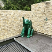 NOUVEAU PROJET 💪  Éléphant fontaine 💦🐘 Finition craquelée vert d'eau métallisé 💙  #fontaine #eau #elephant #zoo #piscine #decoaddict #decorationexterieur #peinturedecarrosserie #newproject #design #passionanimaux #artisanatfrancais #lovemyjob❤️ #handmade🎨🖌